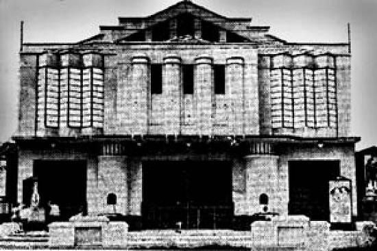 Em 1939, antigo Cinema Carlos Gomes que deu lugar para a subsede do nosso Sindicato em Santos