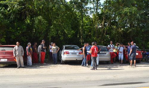 16/04 - Ilha do Barnabé: Trabalhadores na i7 Engª, cruzam os braços por direitos.
