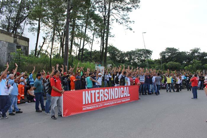 Mobilização de trabalhadores da categoria na planta da Petrobras, em Cubatão contra ataques dos patrões, resulta em conquistas e avanços de direitos