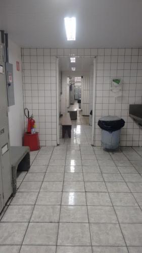 No Porto da Usiminas, usar o vestiário é um verdadeiro sufoco