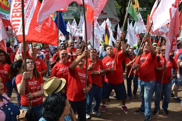 No Brasil e no mundo todo, a classe trabalhadora na luta contra o ataque do capital e seus governos